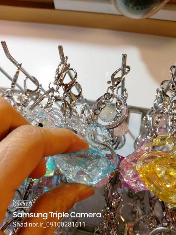 فروش اینترنتی انواع عروسک های آویزانی شفاف و مات طرح قو ، موش و ..