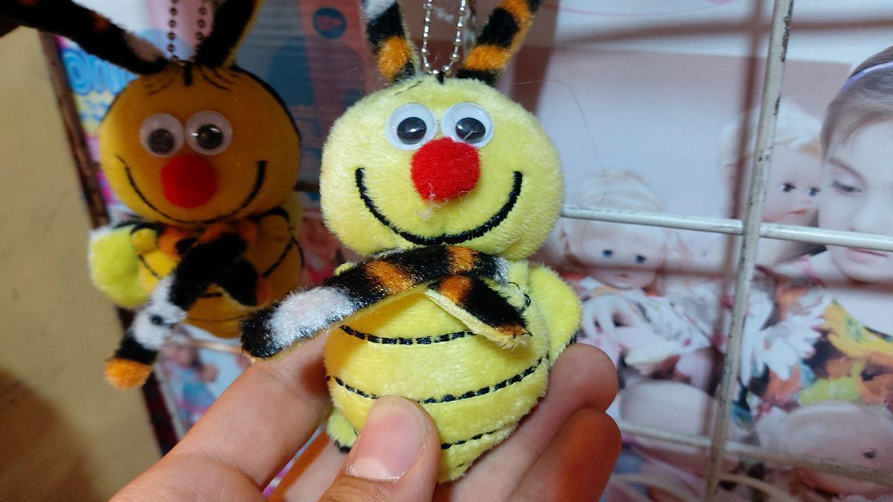 قیمت عمده انواع آویزانی زنبورک ،توپ پشمالو،بی بی پشمالو در کاری وبسایت