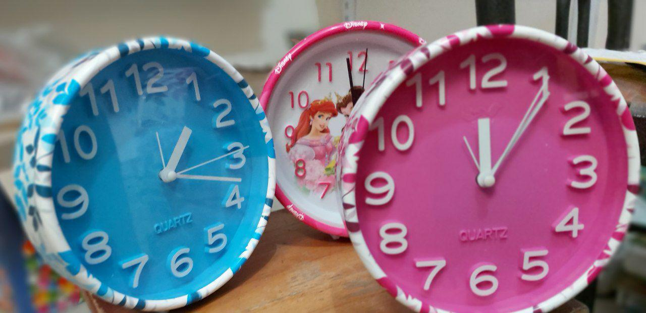 پخش عمده انواع لوازم کادویی و تزیینی ساعت گرد رنگی