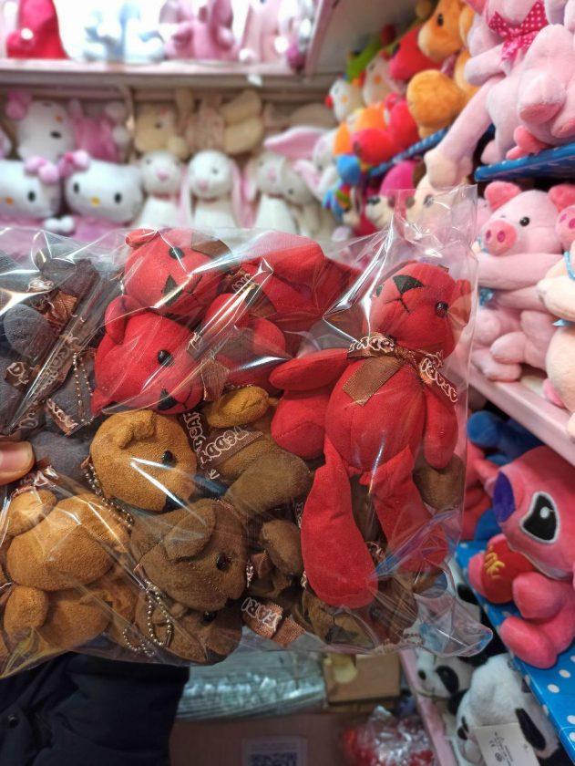 پخش عمده اسباب بازی های جذاب انواع عروسک آویزانی زیبا